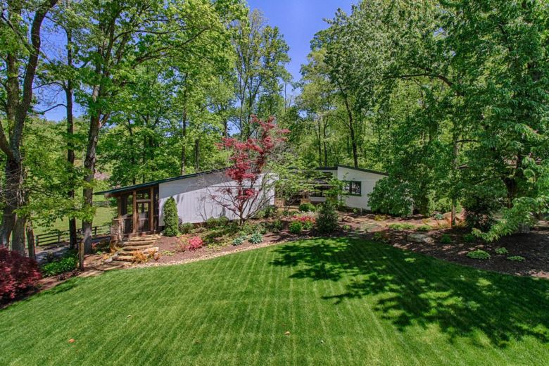 1229  Mourfield Rd, Knoxville, TN 37922