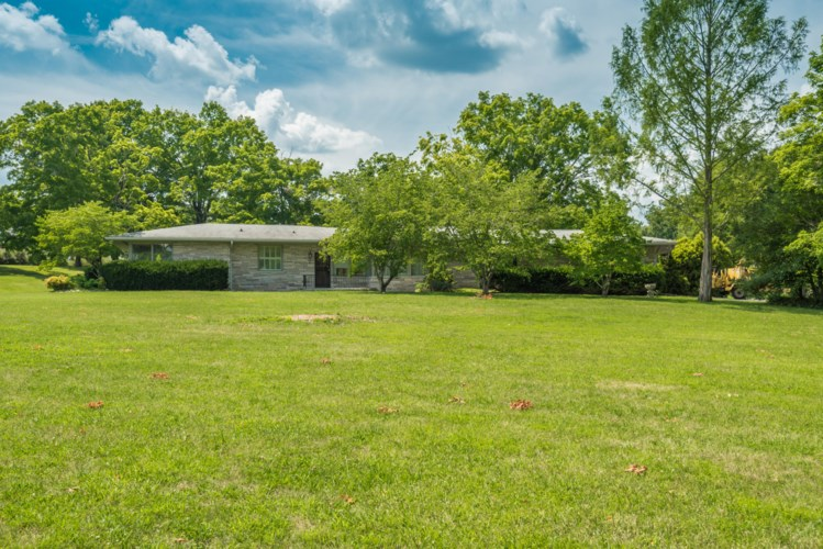 4821  Tazewell Pike, Knoxville, TN 37918