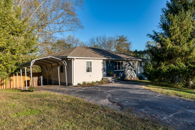 710  Forest View Rd, Knoxville, TN 37919