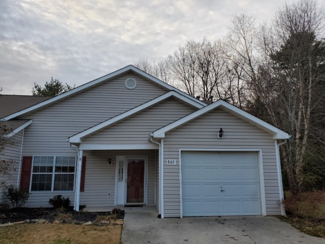 809  Ashley Michelle Court, Knoxville, TN 37934