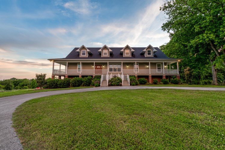 2421  Steele Rd, Knoxville, TN 37932