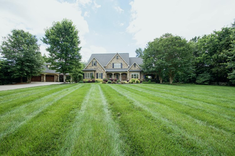 11640  Burgess Drive, Knoxville, TN 37934