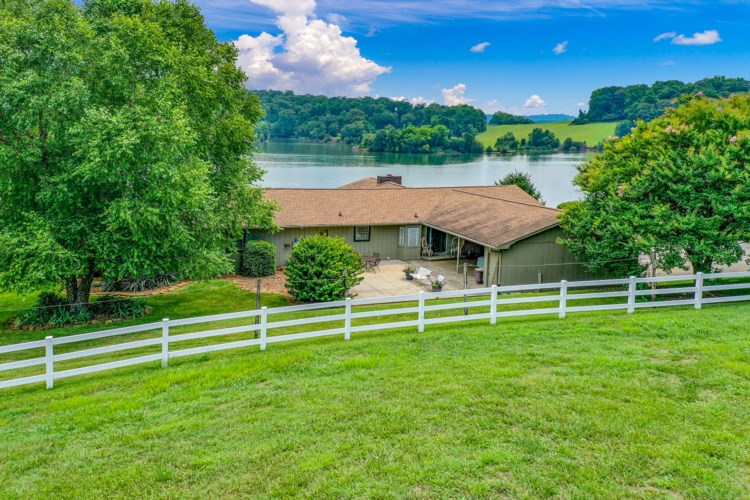 4354  Gravelly Hills Rd, Louisville, TN 37777