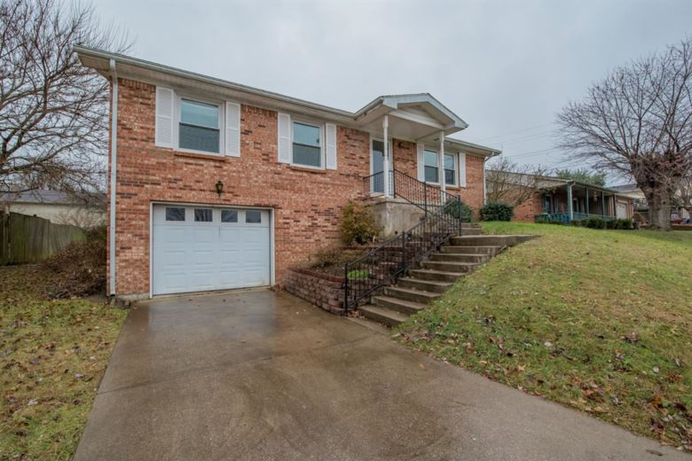 241 Holiday Road, Winchester, KY 40391