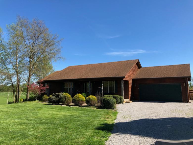 1755 Scotts Ferry East Road, Versailles, KY 40383
