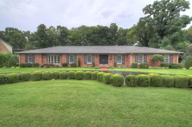 799 Chinoe Road, Lexington, KY 40502