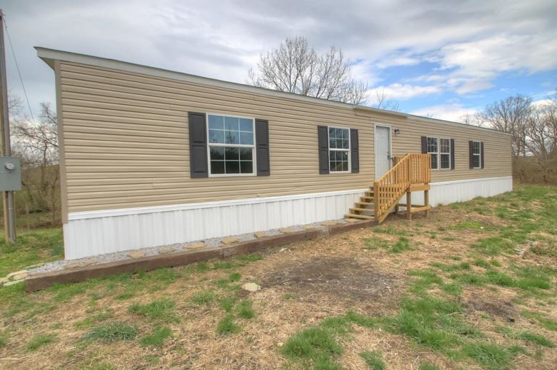 415 L E Junction Road, Winchester, KY 40391