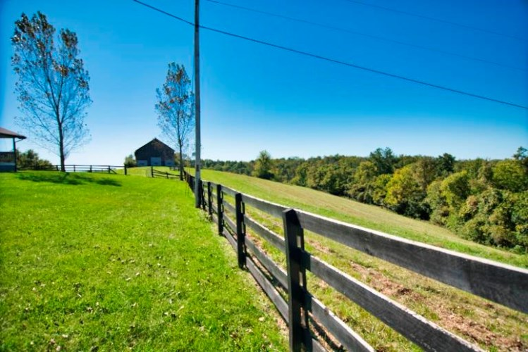 1080 Cole Road, Winchester, KY 40391