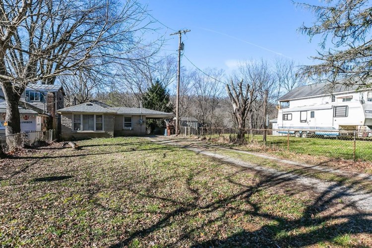 265 Old Clifton Road, Versailles, KY 40383