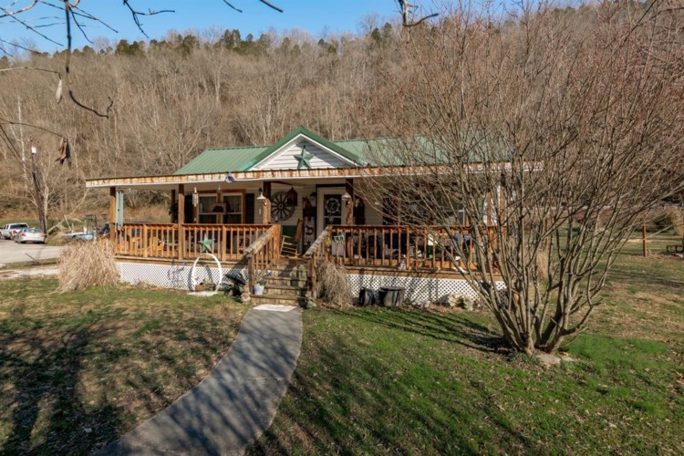 240 Old Clifton Road, Versailles, KY 40383