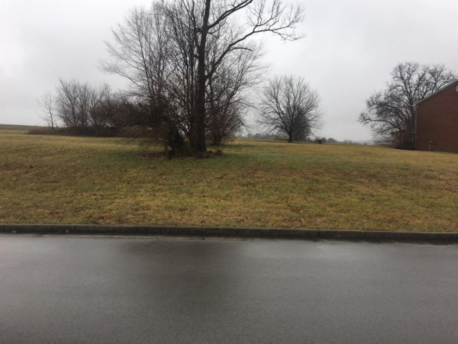 120 Winterberry Circle, Winchester, KY 40391