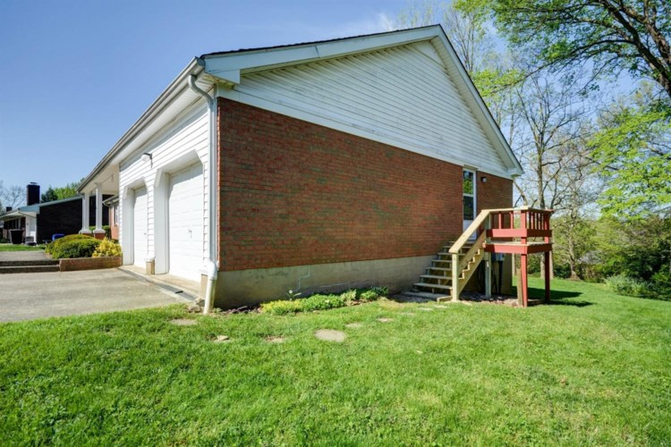 104 Bristol Place, Winchester, KY 40391