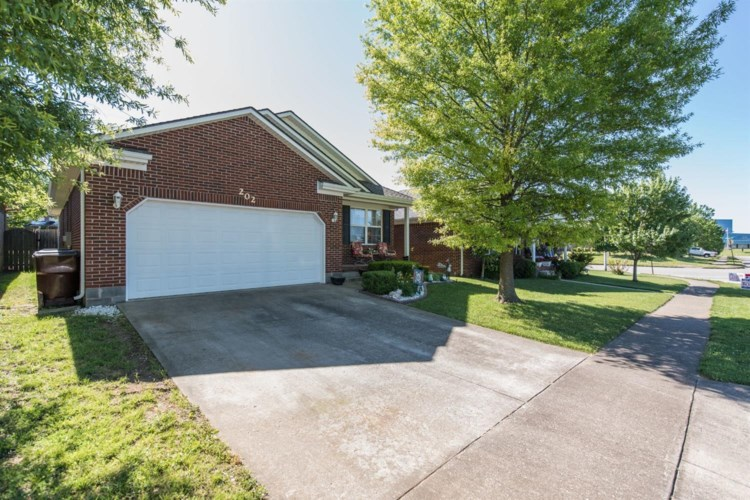 202 Virginia Lane, Nicholasville, KY 40356