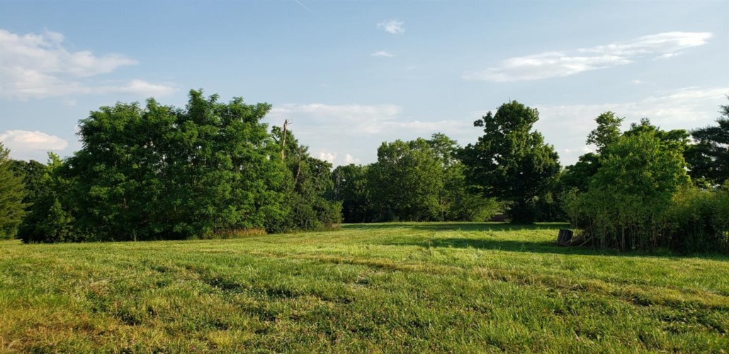 250 Delaney Ferry Road, Versailles, KY 40383