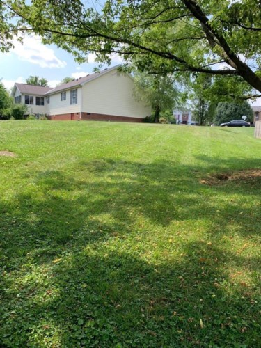 513 Chaucer Court, Lawrenceburg, KY 40342
