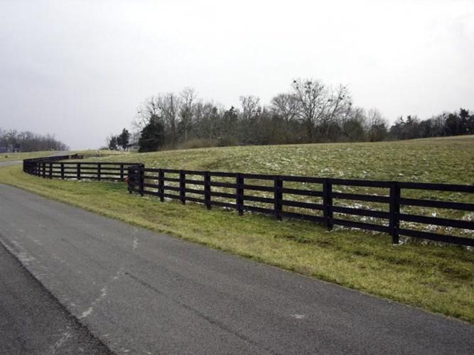 501 Chrisman Oaks Trail #4-16, Nicholasville, KY 40356