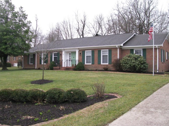 207 Gayland Dr, Midway, KY 40347
