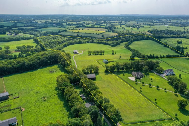 4578 Combs Ferry Road, Winchester, KY 40391