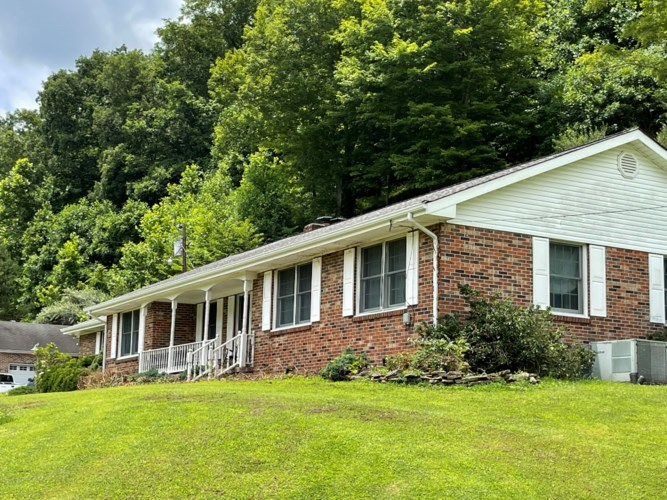 1125 State KY 718 Highway, Flat Lick, KY 40935