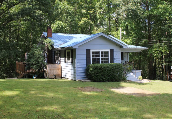 1122 South 1651 Highway, Stearns, KY 42647