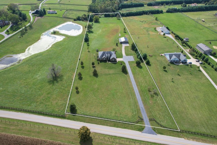 2925 Combs Ferry Road, Winchester, KY 40391