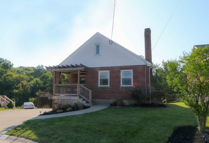 16 Charmaine Circle, Fort Mitchell, KY 41017