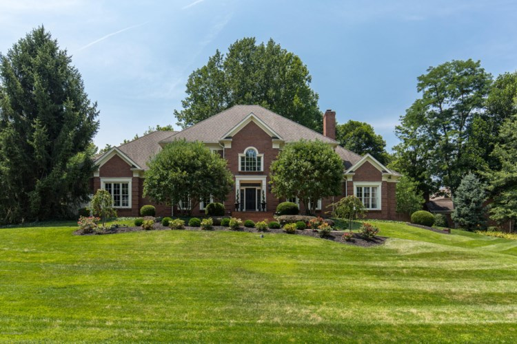 1004 Anchorage Woods Cir, Anchorage, KY 40223