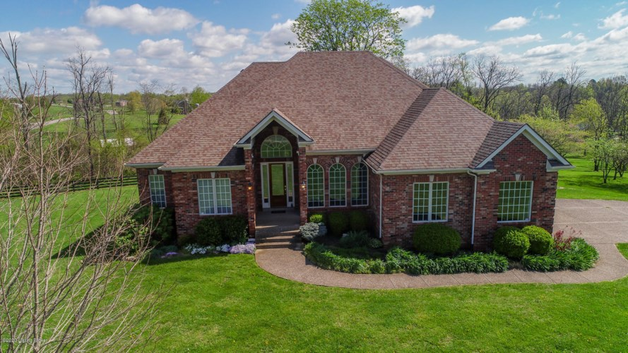 269 Fox Run Dr, Taylorsville, KY 40071