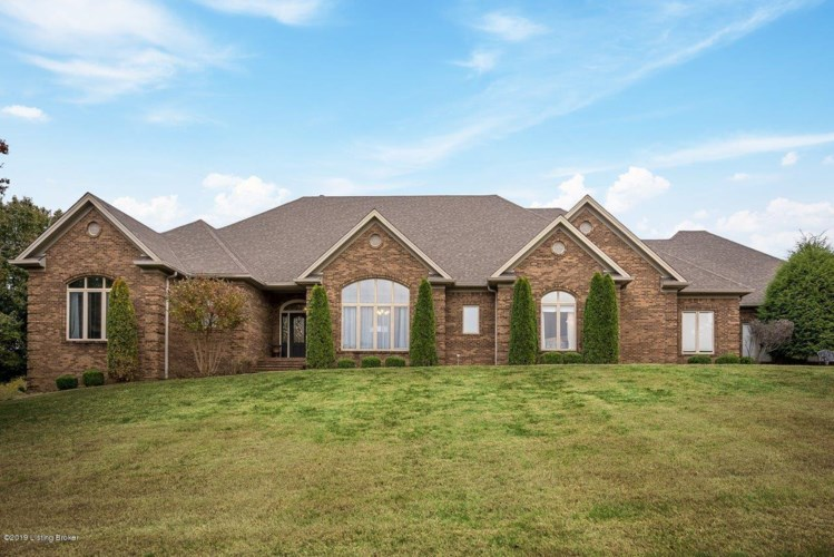 510 Running Creek Dr, Shepherdsville, KY 40165