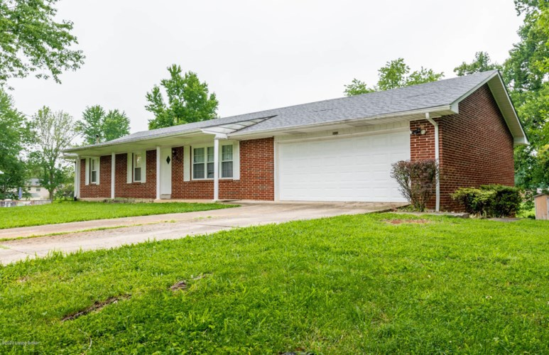 906 Mary Ct, Radcliff, KY 40160