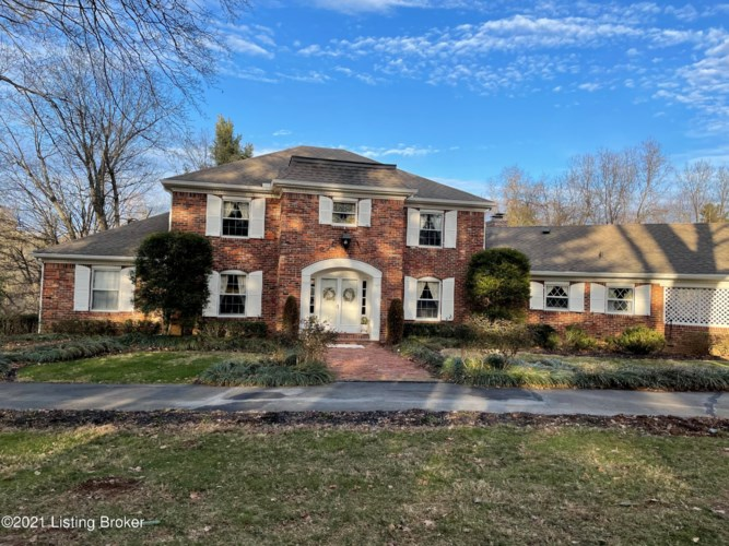 1107 Old Harrods Creek Rd, Anchorage, KY 40223