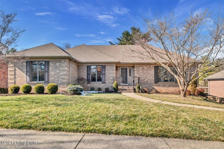 32 Autumn Hill Ct, Louisville, KY 40059
