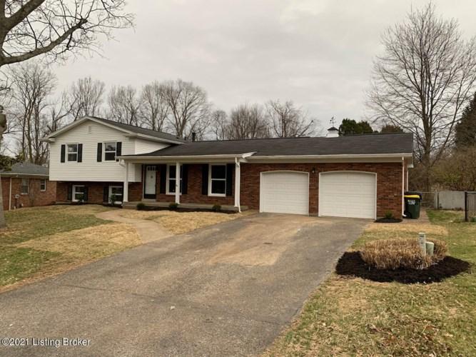 211 Lanark Dell, Louisville, KY 40243