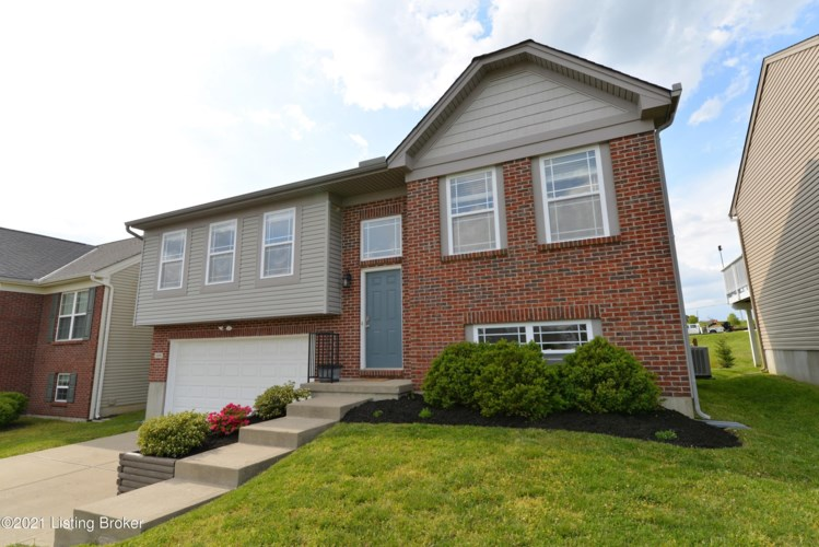109 Keeneland Dr, Willamstown, KY 41097