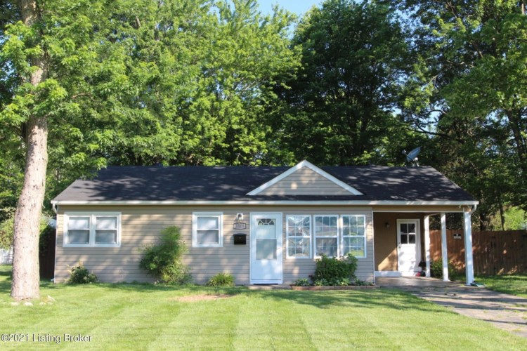 7319 Betsy Ross Dr, Louisville, KY 40272