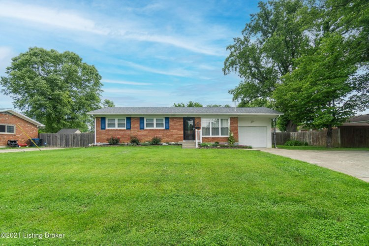 6311 Goalby Dr, Louisville, KY 40258