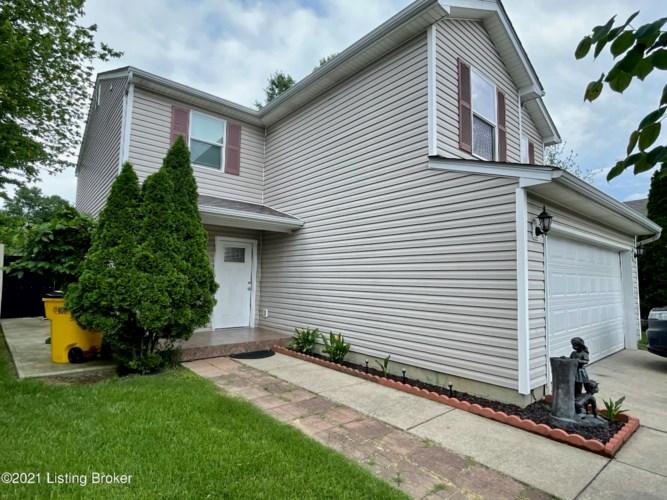 6313 Cottagemeadow Dr, Louisville, KY 40218