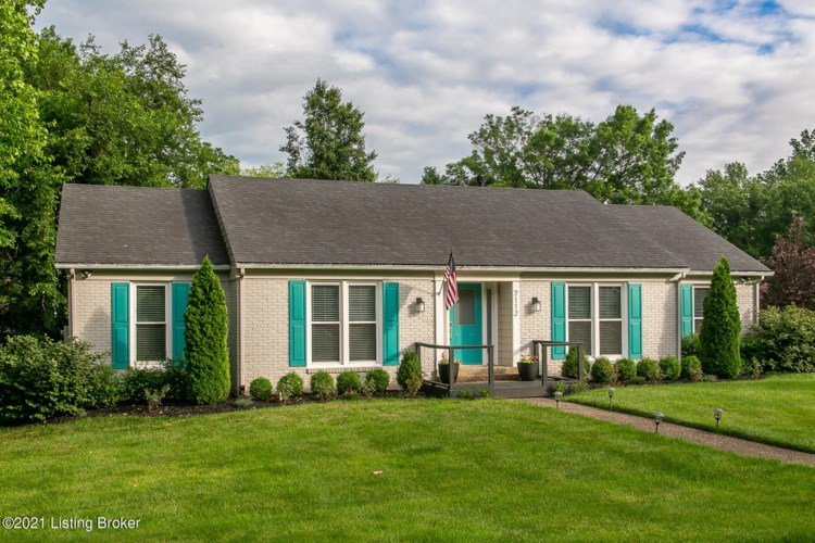 7112 Green Spring Dr, Louisville, KY 40241