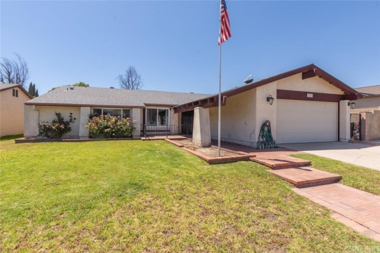 2085 Parker Court, Simi Valley, CA 93065