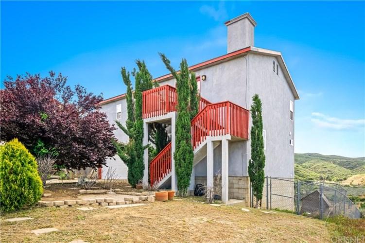 14760 Flintstone Drive, Lake Hughes, CA 93532