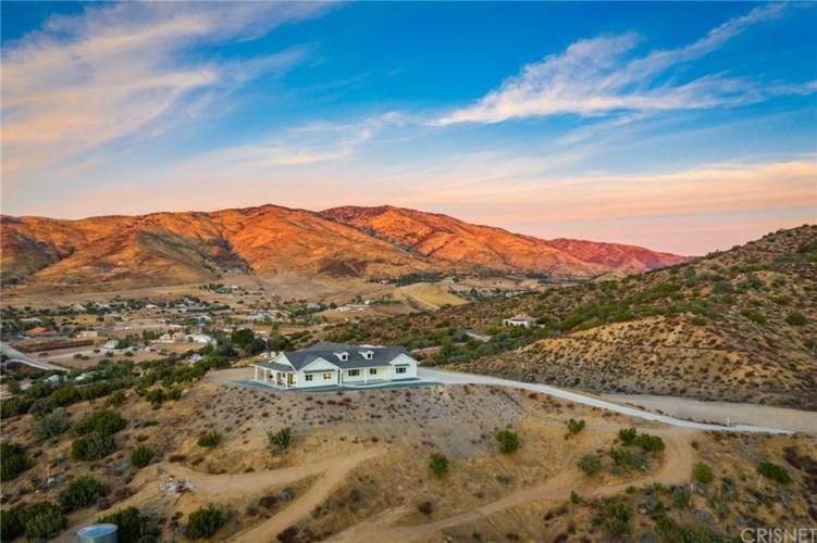 35101 Penman Road, Agua Dulce, CA 91390