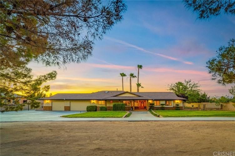 2051 W Avenue O8, Palmdale, CA 93551
