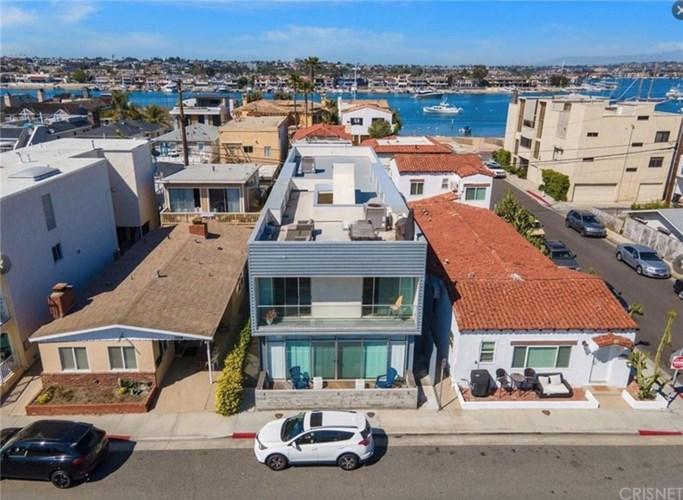 1004 W Balboa Boulevard #B, Newport Beach, CA 92661
