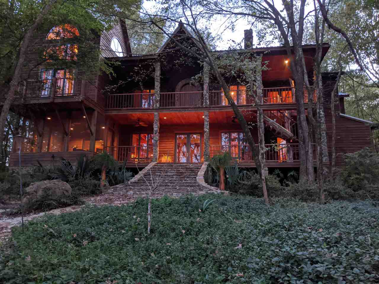 260 CHAPEL HILL RD, Flora, MS 39071