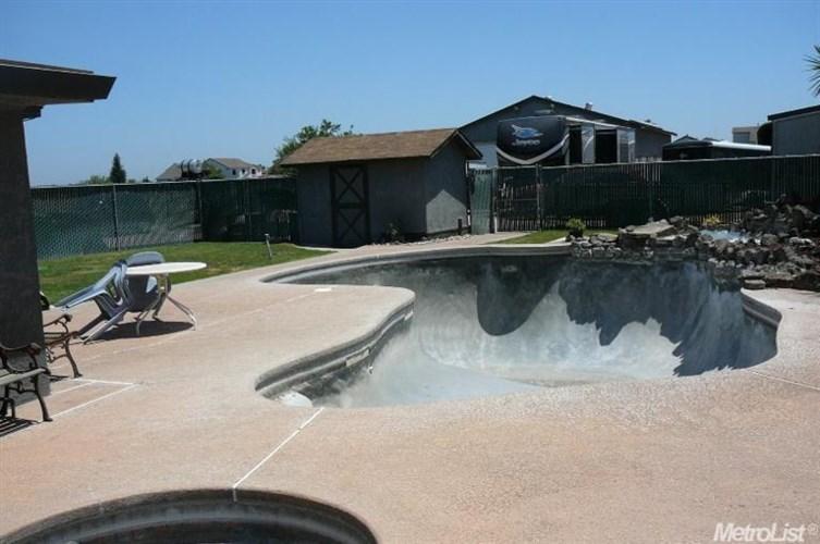 16280 Cottage, Manteca, CA 95336