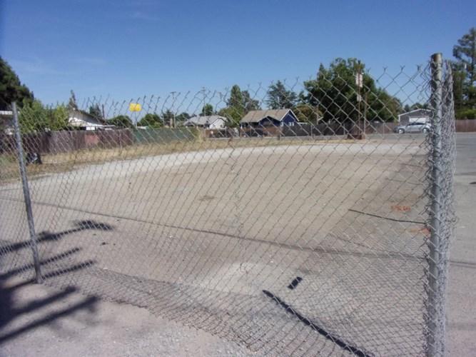 13555 E Highway 88, Lockeford, CA 95237