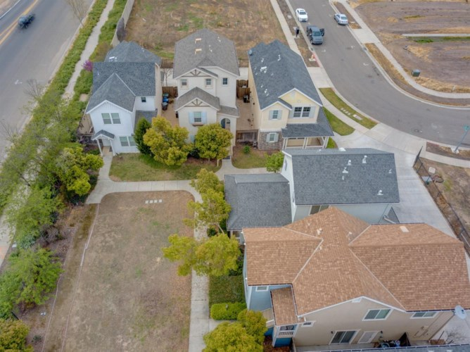 305 Portico Drive, Merced, CA 95348