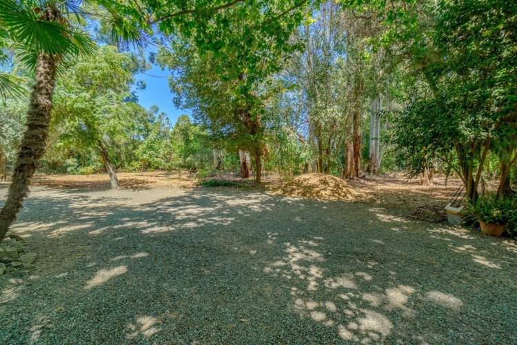 1140 Los Robles Street, Davis, CA 95618