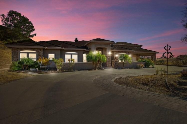 20 North Shore Ct, Valley Springs, CA 95252