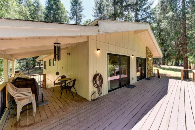 5523 Fairview Ct, Foresthill, CA 95631